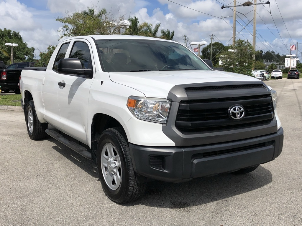 Pre-Owned 2015 Toyota Tundra SR
